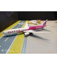 G972F 1:200 Qatar 777-300ER A7-BEB FIFA 2022 FD [Width 33 Length 37 Height 8 cms.]