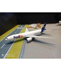 G2951 1:200 FedEx 777LRF N888 FD [Width 33 Length 35 Height 8 cms.]