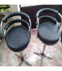เก้าอี้บาร์ เบาะหนัง PVC 2 ตัว 700 บาท ราคาถูกพิเศษ  ขายไปแล้วครับ