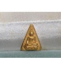 พระนางพญา เนื้อทองคำ  5 รอบ พระราชินี พิมพ์เล็ก  พ.ศ. 2535 พร้อมกล่องเดิม ๆ ทองคำ (เช่าบูชาแล้่ว)
