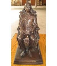 พระบรมรูปพระบาทสมเด็จพระเจ้าอยู่หัว รัชกาลที่ 9 ทรงบัลลังก์ ฐาน 8.5 นิ้ว ปี 39 โลหะรมดำ วาระครบ 50ปี