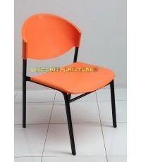 เก้าอี้โพลีโครงเหล็กแป๊ปรูปไข่ พ่นสีดำ  รุ่น CP-03P
