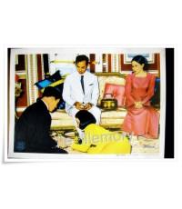 ภาพพิมพ์ปาเตีย ในหลวง พระราชินี ฟ้าชายและองค์โสม ฝีมือวาดโดยอาจารย์เผ่าศิลป์