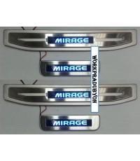 ชายบันไดประตูสแตนเลส มีไฟ Mitsubishi Mirage แสงสีฟ้า
