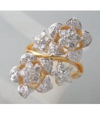 แหวนทองคำรูปทรงดอกไม้ประดับเพชรแท้ 54 เม็ด น้ำขาว 95-96 เบลเยี่ยมคัตไฟดีไม่มีติหนิ รวมน้ำหนักเพชร 1.