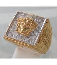 แหวนทองคำทรงโรเล็กซ์ฝังเพชรแท้ รวมน้ำหนัก 0.70 กะรัต ประดับสัญลักษณ์เมดูซ่า ตัวเรือนทอง 90 น้ำหนักท