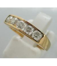 แหวนทองคำประดับเพชรแท้ 5 เม็ด รวมน้ำหนัก 0.65 กะรัต น้ำขาว 95-96 เบลเยี่ยมคัตไฟดีไม่มีตำหนิ ตัวเรือน