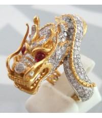 แหวนทองคำรูปทรงมังกรฝังเพชรแท้193 เม็ด รวมน้ำหนัก 3.50 กะรัต น้ำขาว 96-97 ฝังพลอยทับทิม 2 เม็ดที่ดวง