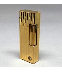 ไฟแช็ค DUNHILL ตัวเรือนโลหะเคลือบทองหนา ลวดลายโมเสส สภาพสวยกล่องใบอุปกรณ์ครบ