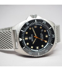 DEEP BLUE deep star diver 300m automatic Limited 02XX / 5000 เรือน ขนาด 46mm หน้าปัดดำเงาประดับพรายน
