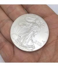 เหรียญสะสม UNITED DTTES OF AMERICA LIRFRTY IN GOT WE TRUST ONE DOLLAR ตัวเรือน fine silver 1OZ. เหรี