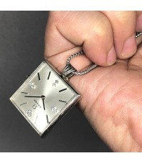 นาฬิกาห้อยคอ OMEGA ไขลาน  1950  หน้าปัดบรอนซ์เงินประดับหลักเวลาขีดสลับเพชรแท้ 7 เม็ด เดินเวลา 2 เข็ม
