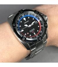 SEIKO VELATURA GMT Kinetic ขนาด 48mm หน้าปัดดำดูดซับพลังงานแสงอาทิตย์ บอกวันที่ตแหน่ง 3 นาฬิกา แสดงข