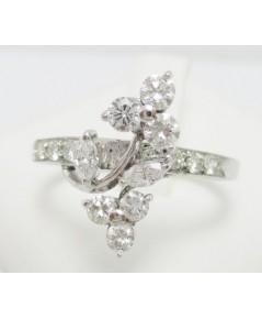 แหวน เพชร กระจุกดอกไม้ ไขว้ เพชร 16 เม็ด 0.65 กะรัต งานทองขาวโบราณ(ปาหะ) นน. 2.36 g