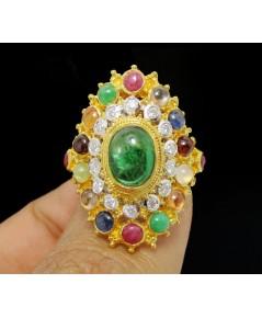 แหวน มรกต หลังเบี้ย ทรงมาคีย์ ล้อมพลอยนพเก้า เพชร 14 เม็ด 0.20 กะรัต ทอง90 งานดีไซน์สวย นน. 9.20 g