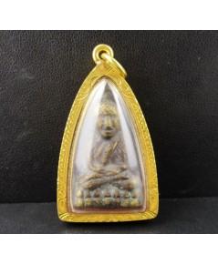 พระหลวงปู่ทวด วัดช้างให้ พิมพ์เตารีด เนื้อทองเหลือง เลี่ยมทองเก่า นน. 35.48 g
