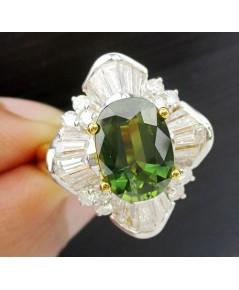 แหวน เขียวส่อง เจียร ล้อมเพชร 32 เม็ด 1.16 กะรัต ทอง90 เพชรขาว พลอยสวยมาก นน. 9.90 g