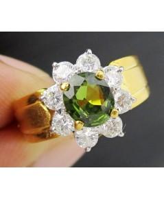 แหวน เขียวส่อง เจียร ล้อมเพชร 8 เม็ด 0.48 กะรัต ทอง90 เพชรขาว พลอยสวยมาก นน. 4.81 g