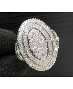 แหวน เพชรทรงมาคีย์ เพชรเกสร 6/0.25 ct ล้อมเพชรกุหลาบ 2 ชั้น 86/0.52 ct ทองK 2 สี งานเก่า นน. 4.03 g
