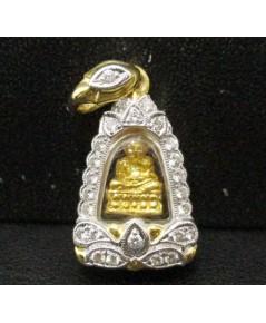 พระหลวงปู่ทวด เนื้อทองคำ กรอบทอง ล้อมเพชร 25 เม็ด 0.25 กะรัต นน. 4.76 g