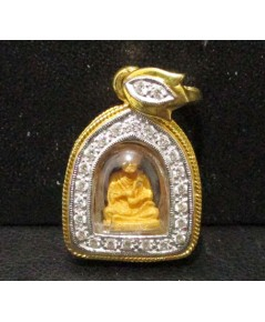 พระสมเด็จพุฒาจารย์โต เนื้อทองคำ กรอบทอง ล้อมเพชร 24 เม็ด 0.25 กะรัต นน. 5.96 g
