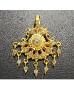 จี้ อุบะ เพชรซีก ฉลุลาย ตุ้งติ้ง ทอง90 งานเก่า หลุดจำนำ สวยมาก นน. 4.67 g