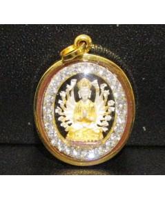 จี้ เจ้าแม่กวนอิม พันมือ ล้อมพลอยขาว เลี่ยมทอง18K สวยน่าเก็บสะสม นน. 3.22 g