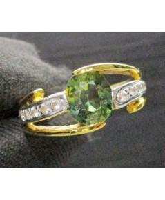 แหวน เขียวส่อง เจียร ฝังพลอยขาว 10 เม็ด ทอง90 หลุดจำนำ งานสวยมาก นน. 4.45 g