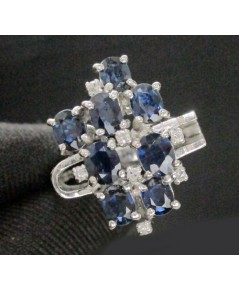 แหวน ไพลิน เจียร ฝังเพชรกุหลาบ 7  เม็ด 0.07 กะรัต งานทองขาวโบราณ(ปาหะ) นน. 7.18 g