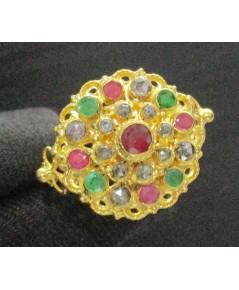 แหวน 3 สี กระจุกกลม ทับทิม มรกต เพชรซีก ทอง90 งานเก่า สวยมาก นน. 3.75 g