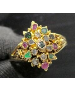 แหวน 3 สี ทรงมาคีย์ ทับทิม มรกต เพชรซีก ทอง90 งานเก่า สวยมาก นน. 1.78 g