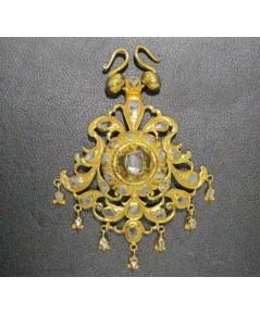 จี้ อุบะ เพชรซีก ฉลุลาย ตุ้งติ้ง ทอง90 งานเก่า หลุดจำนำ สวยมาก นน. 11.25 g