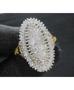 แหวน เพชรหน้าโล่ห์ 10/0.35 ct ล้อมเพชรกุหลาบ 24/0.24 ct ทองK 2 สี หลุดจำนำ งานสวยมาก นน. 3.81 g