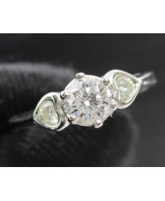 แหวน เพชรเดี่ยวชู 0.23 กะรัต ฝังเพชรข้าง 2 เม็ด 0.06 กะรัต ทอง90 งานสวย น่ารักมาก นน. 2.00 g