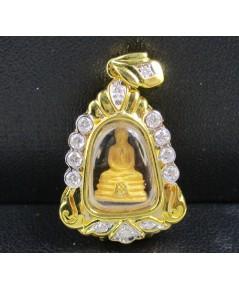 รหัสสินค้า: 50720 พระหลวงพ่อโสธร เนื้อทองคำ กรอบทอง ฝังเพชร 13 เม็ด 0.35 กะรัต สวยน่าสะสม นน. 7.26 g