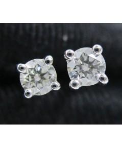 รหัสสินค้า: 50727 ต่างหู เพชรเดี่ยว 4 เตย 2 เม็ด 0.20 กะรัต ทอง90ชุบขาว งานสวยมาก นน. 1.68 g