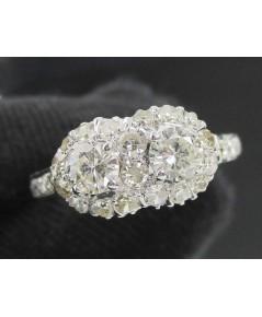 แหวน เพชรคู่ 2 เม็ด 0.38 กะรัต ล้อมเพชรกุหลาบ 26 เม็ด 0.30 กะรัต ทองขาวโบราณ(ปาหะ) นน. 2.25 g