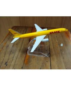 โมเดลเหล็ก เครื่องบินโดยสาร DHL Airlines Boeing 737 16 เซ็นติเมตร
