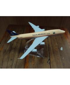 โมเดลเหล็ก เครื่องบินโดยสาร SAUDI ARABIAN Airlines Boeing 737 16 เซ็นติเมตร