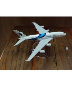 โมเดลเหล็ก เครื่องบินโดยสาร MALAYSIA Airlines Boeing 737 16 เซ็นติเมตร