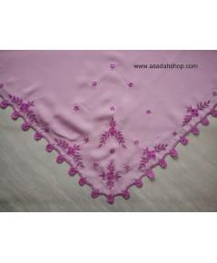 ฮิญาบผ้าไหมแก้วเนื้อหนาสีชมพูอมม่วง ริมปักลายดอกไม้ (พร้อมส่ง)