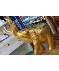 ช้างชูงวงทองคำไม้แกะสลักลงรักปิดทองคำเปลว 2 ขนาด