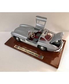 โมเดลรถ Mercedes-Benz 300 SL ปี 1954 ผลิตโดย Burago อิตาลี่