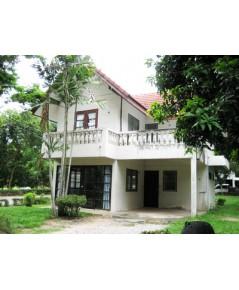 บ้านสวนชะอำ บริเวณชายหาดชะอำ จ.เพชรบุรี  สะดวกสบายกับร้านอาหารที่มีให้เลือกมากมาย