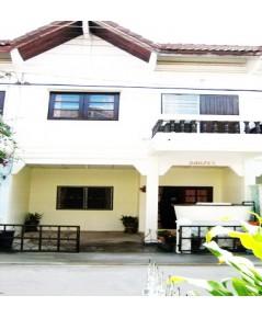 บ้านกระปุก บริเวณชายหาดชะอำ ใกล้ร้านอาหาร ร้านสะดวกซื้อ จ.เพชรบุรี