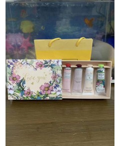 L\'OCCITAN Hand cream limited edition gift set 4 กลิ่น รุ่นลิมิเต็ดLove พร้อมถุง ถ่ายจากสินค้าจริง