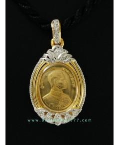 M696-2566 เหรียญทอง99.9 ปัญจภาคี (พระพุทธชินสีห์ พระบาทสมเด็จพระเจ้าอยู่หัวฯ) พิมพ์เล็กในตลับกันน้ำ