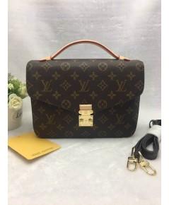 Louis Vuitton Pochette Metis M40780