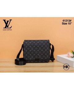 Louis Vuitton Messenger District bag