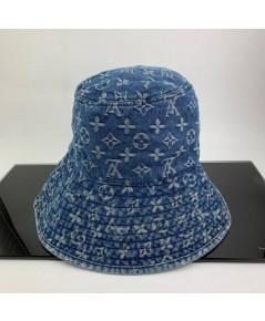 หมวก LV